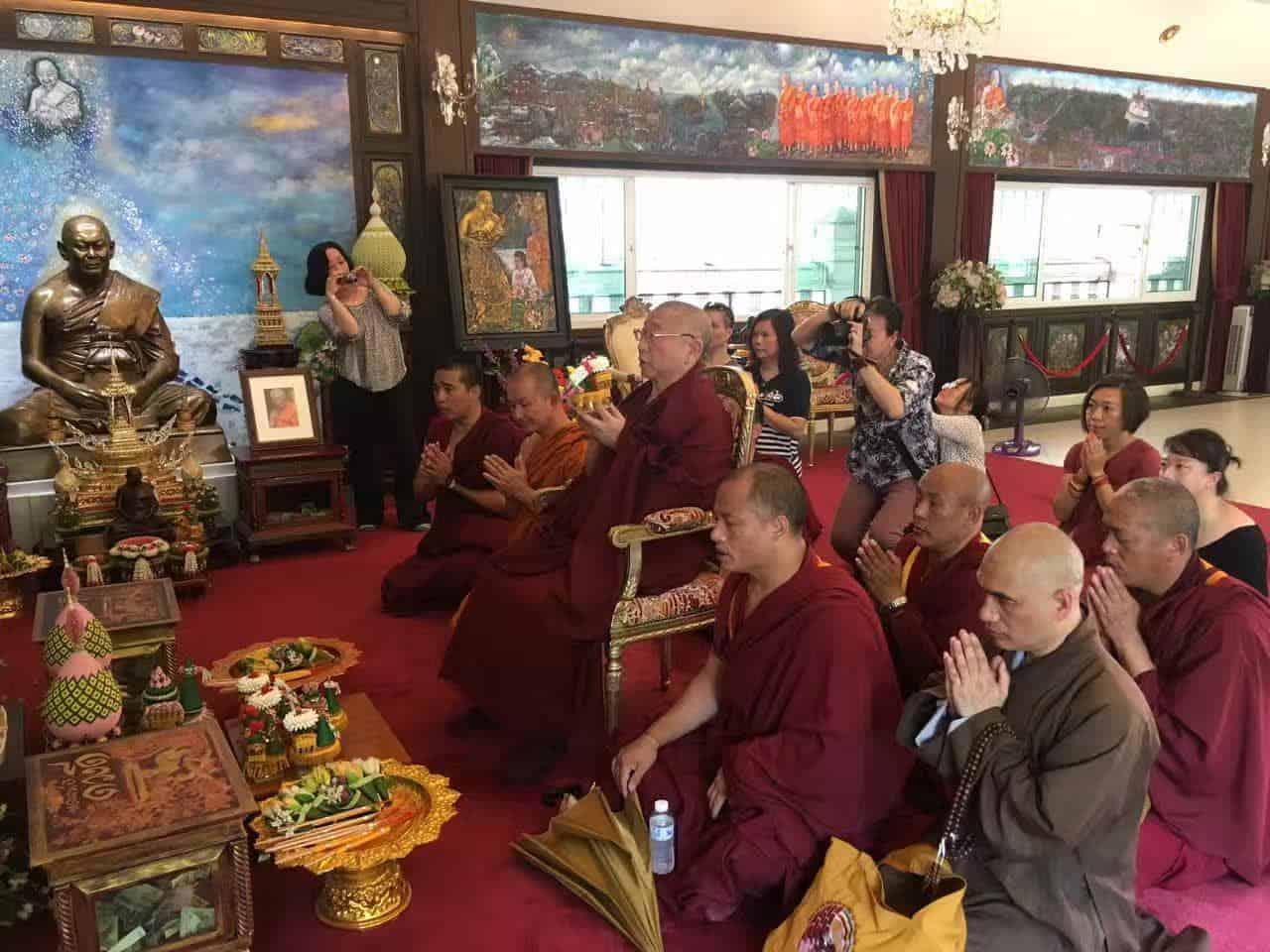 Gosok Rinpoche Thailand 2017 T017 c90e5c13babb451ed80efccb944001a