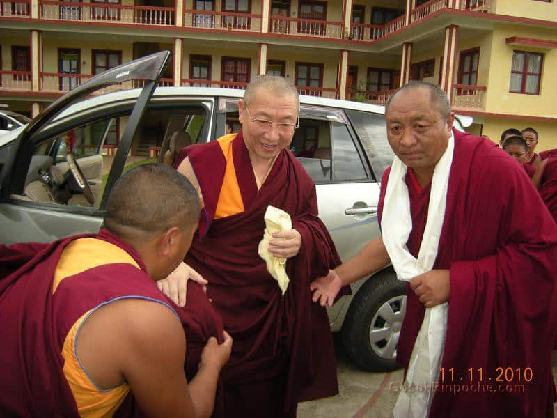 2010-11-11 Gosok Rinpoche in Gosok Ladang 32