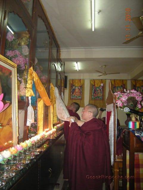 2010-11-11 Gosok Rinpoche in Gosok Ladang 33