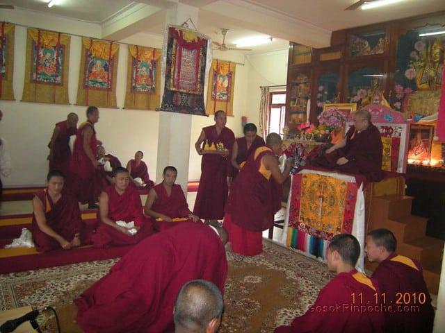 2010-11-11 Gosok Rinpoche in Gosok Ladang 34