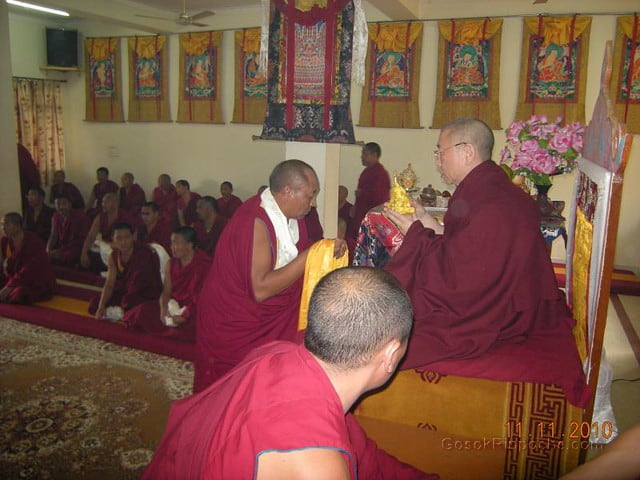 2010-11-11 Gosok Rinpoche in Gosok Ladang 35
