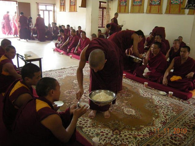 2010-11-11 Gosok Rinpoche in Gosok Ladang 38