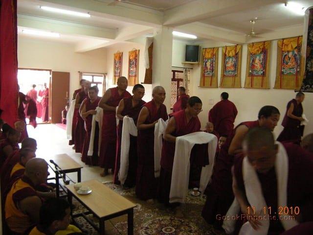 2010-11-11 Gosok Rinpoche in Gosok Ladang 42