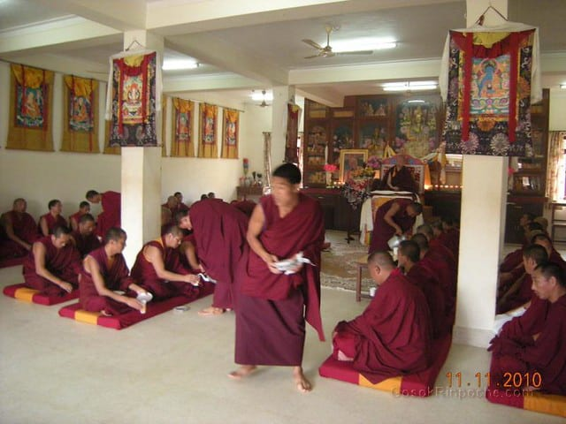 2010-11-11 Gosok Rinpoche in Gosok Ladang 50