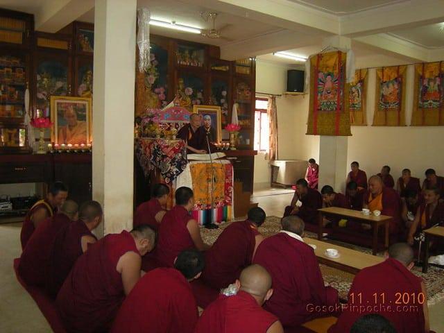2010-11-11 Gosok Rinpoche in Gosok Ladang 54